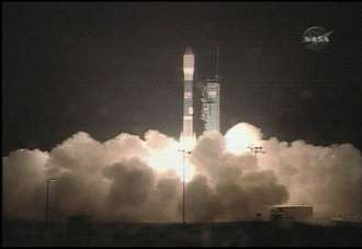 Décollage réussi pour la fusée Boeing Delta 2 depuis la base de Vandenberg en Californie, le 28/04/06 à 12h02 heure de Paris, avec sous sa coiffe, Calipso et Cloudsat