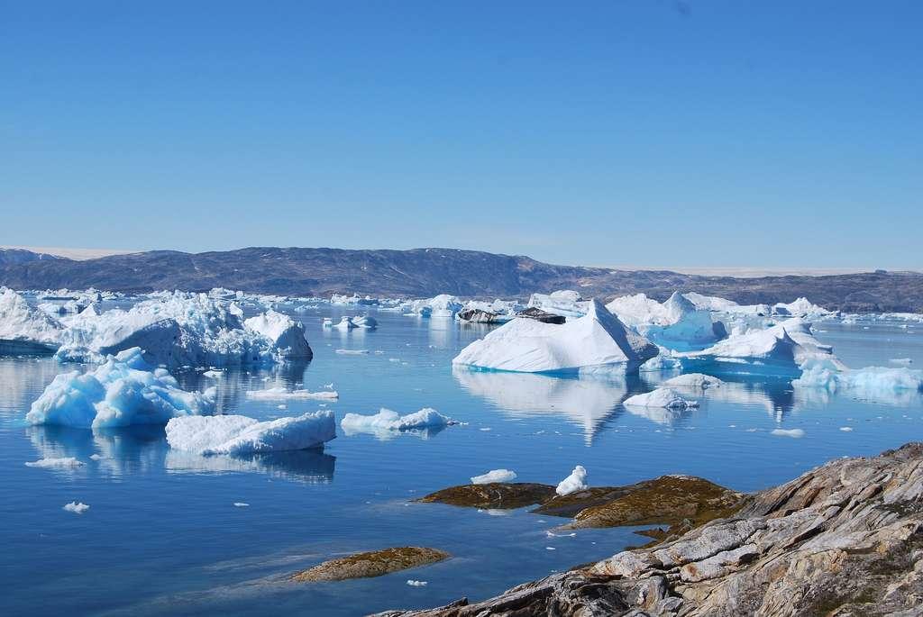 La fonte des glaces entraîne une contamination des eaux en mercure. © Pixabay