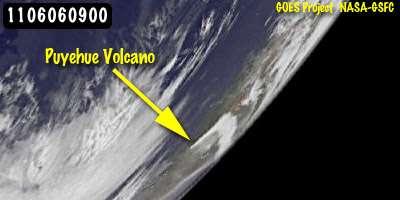 Le 6 juin à 11 h (heure française), le satellite de surveillance de l'environnement GOES-11 photographie sur l'horizon un nuage en forme de L : c'est le panache du volcan Puyehue. © Nasa/NOAA GOES Project/Dennis Chesters