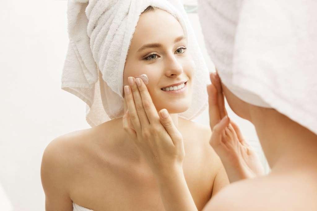 Les peaux synthétisées au laboratoire pourraient permettre de tester des cosmétiques. © JL-Pfeifer, Shutterstock