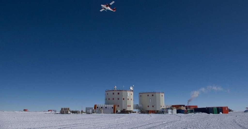La base antarctique Concordia n'est accessible qu'en avion. La liaison est interrompue pendant l'hivernage lorsque les températures descendent à -80 °C. © Esa, Ipev, PNRA