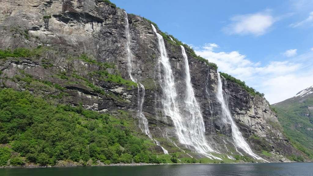 Les chutes des Sept Sœurs en Norvège