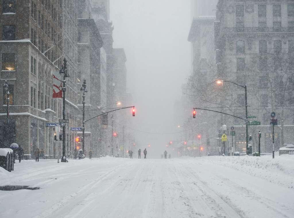 New York, aux États-Unis, sous une tempête de neige. © janifest, Adobe Stock