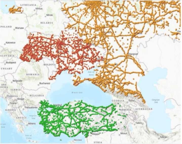 Sur ce document publié par Ulysses, on peut y trouver une carte montrant la localisation de véhicules en Russie, en Ukraine et en Turquie, y compris le long de la frontière avec la Syrie. © Motherboard