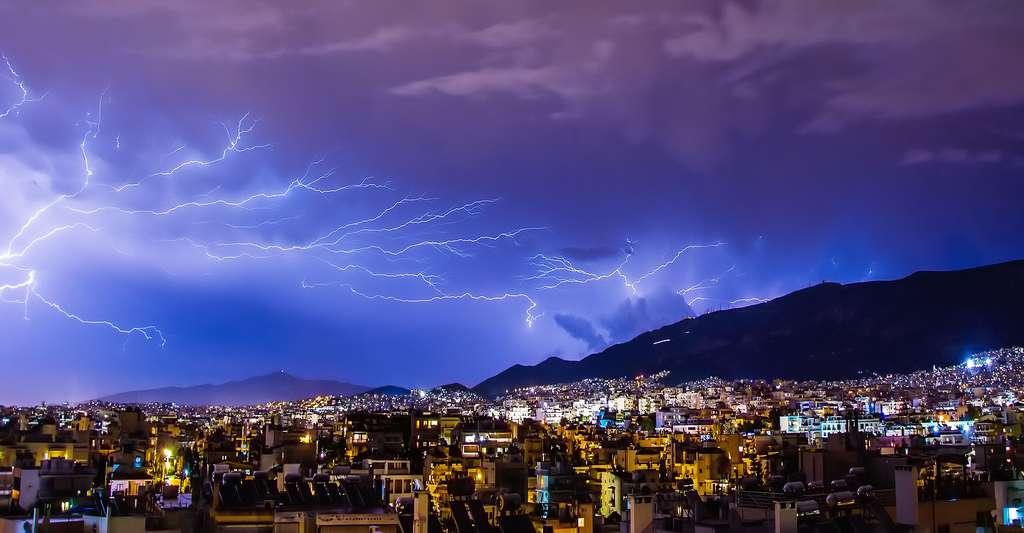 Les dangers venus du ciel. © Boboshow - Domaine public