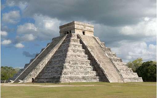 La Méso-Amérique est l'un des grands foyers de civilisation du monde (à l'image : Chichen Itza, pyramide des Kukulcan). © Fcb981, CC by sa 3.0
