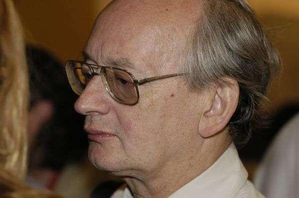 Le nom d'Alan Guth est souvent cité lorsqu'on parle du nom du découvreur de la théorie de l'inflation. Mais en fait, il avait été devancé peu de temps auparavant par Alexeï A. Starobinski, l'un des collaborateurs de Zel'dovich. C'est aussi un autre chercheur russe, Andrei Linde, qui va développer les idées de Guth avec sa théorie de l'inflation chaotique et de l'univers autoreproducteur. © obspm