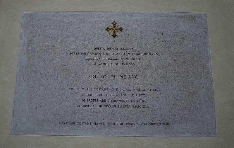Plaque commémorative dans l'église San Giorgio al Palazzo près du palais impérial de Milan où fut promulgué l'édit. © Giovanni Dall'Orto, mars 2007, Wikimedia Commons
