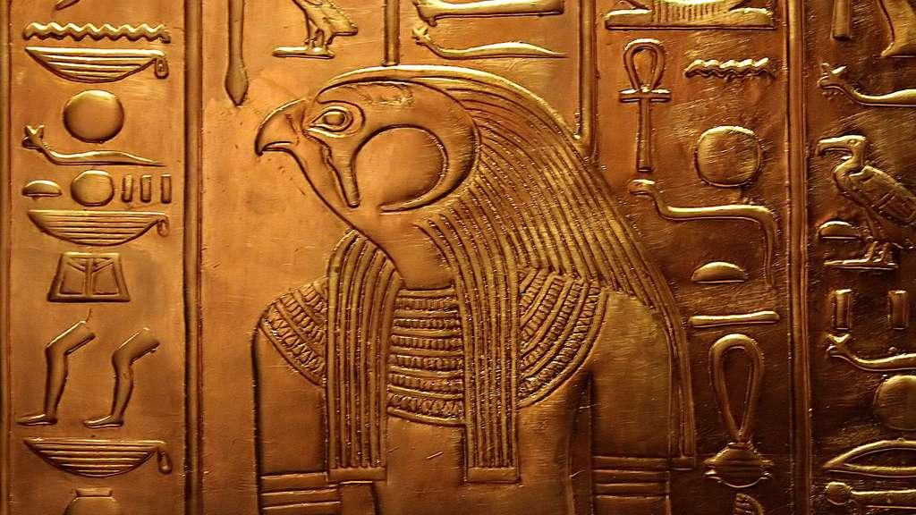Horus, le faucon, le dieu solaire