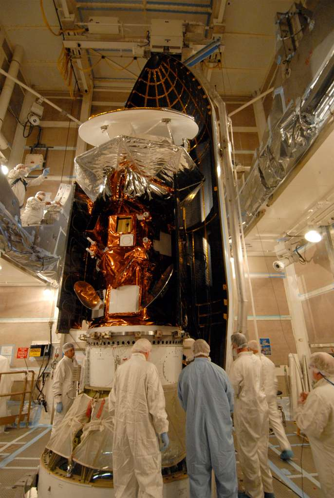 Le satellite Sac-D (Satélite de Aplicaciones Científicas) dans la coiffe du lanceur Delta II. © Nasa/VAFB