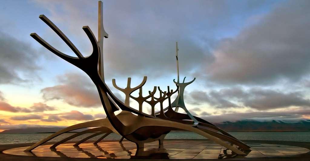 Sólfar est une sculpture réalisée en 1990 par Jón Gunnar Árnason et située à Reykjavik. © Peter Nijenhuis, CC by-nc 2.0