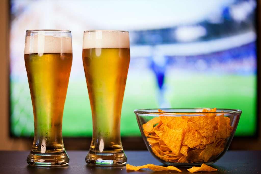 吃咸小吃会使您想要冰镇啤酒。  ©Melinda Nagy,Adobe Stock