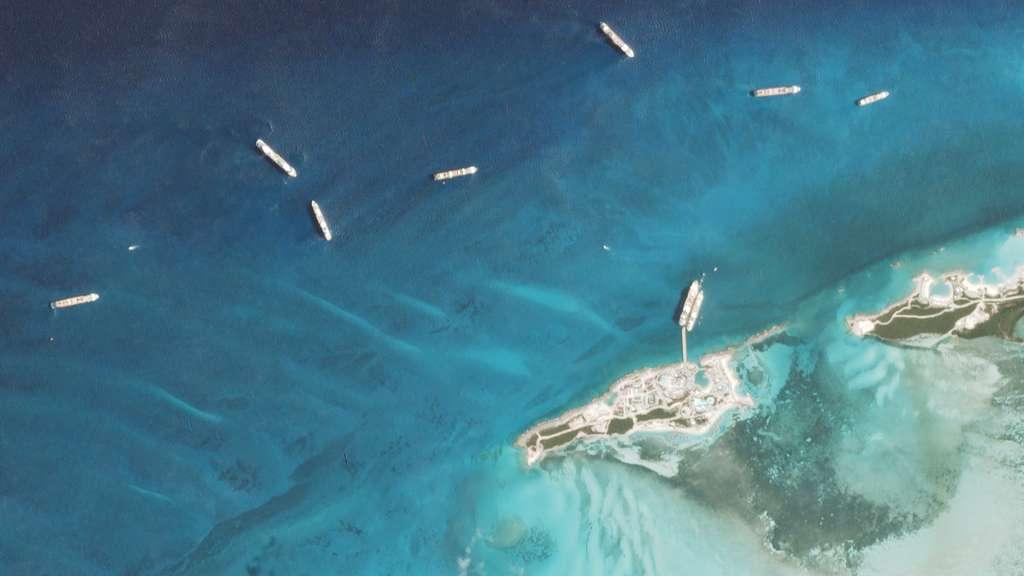 Le 8 mai, au large de l'île de Coco Cay et à quai, neuf navires étaient visibles depuis l'espace. © 2020 Planet Labs, Inc