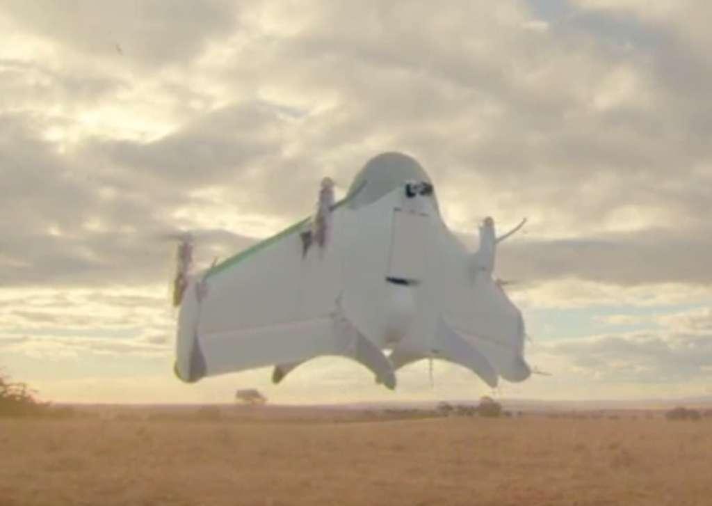 Les prototypes de drones-livreurs actuels, d'Amazon, de Google ou d'autres, sont encore loin de modèles fonctionnels. Ici celui de Google en test en Australie. On remarque les quatre dangereuses hélices. © Google
