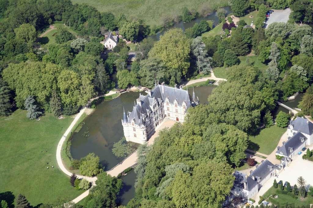 À Azay-le-Rideau, un château chargé d'histoire
