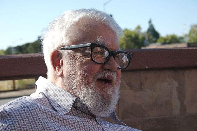 John McCarthy (ici en 2006), l'un des pères fondateurs de l'intelligence artificielle. © GeeJo, Wikipédia, cc by sa 2.0