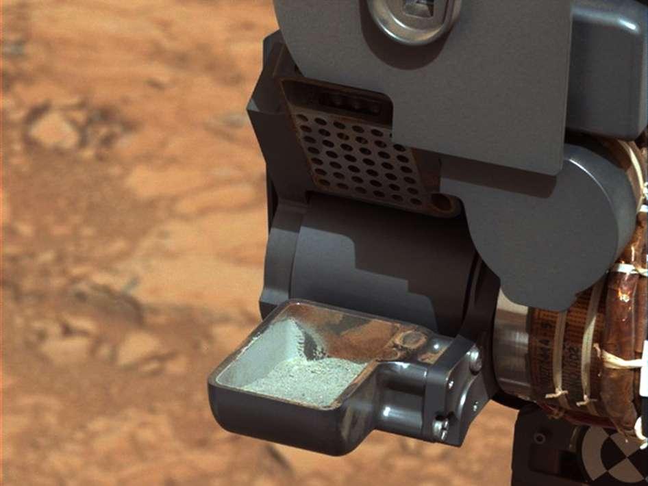 La photographie qui a fait plaisir aux membres de la mission MSL : envoyée le 20 février 2013, elle montre la poudre récoltée après le forage d'un trou dans une roche martienne par le rover Curiosity. © Nasa, JPL-Caltech, MSSS