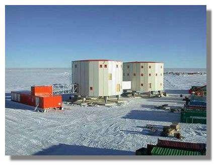 La station antarctique franco-italienne Concordia, particulièrement difficile d'accès, va être utilisée pour l'étude de la psychologie des situations d'isolement extrême. Crédits : IPEV, ESA