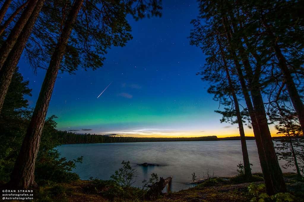 Une Perséide accompagnée d'une aurore boréale et de nuages noctulescents