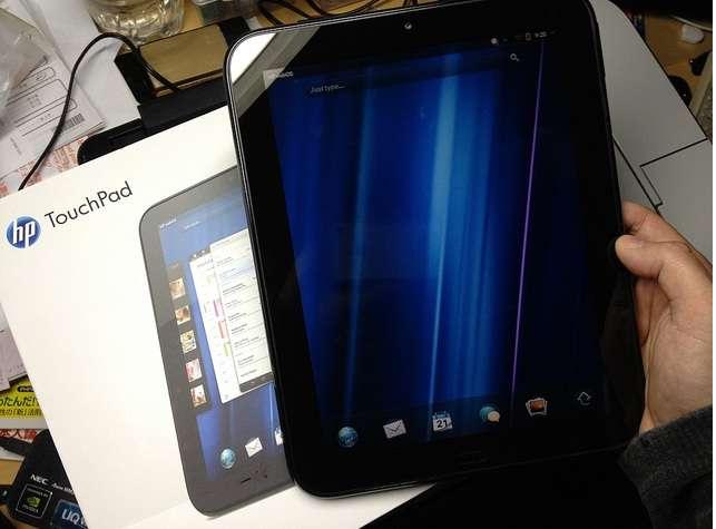 Par sa rareté, le HP Touchpad est presque devenu un objet de collection aisément personnalisable avec le système Android. HP fournit depuis le système d'exploitation de la tablette, webOS, gratuitement à la communauté. © Masaru Kamikura, Creative Commons