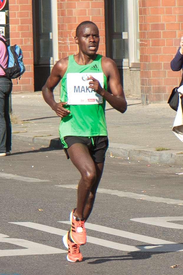 Qu'est-ce qui peut bien pousser les marathoniens à courir sur de si longues distances ? Dans leur cerveau, le striatum ventral les motive à réaliser des performances surhumaines et à les propulser, pour les meilleurs, vers la gloire. Ici, Patrick Warau, l'athlète kényan détendeur du record du monde du marathon, qui a parcouru les 42,195 kilomètres berlinois en 2 heures 03 minutes et 38 secondes. © Avda, Wikipédia, cc by sa 3.0