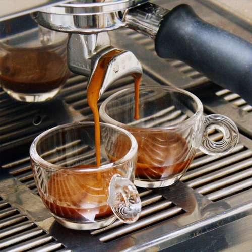 Espresso, cappuccino, au lait... le café se prépare de différentes façons. Mais la moins bonne d'entre toutes, c'est quand il est renversé. © Mark Prince, Wikipédia, DP