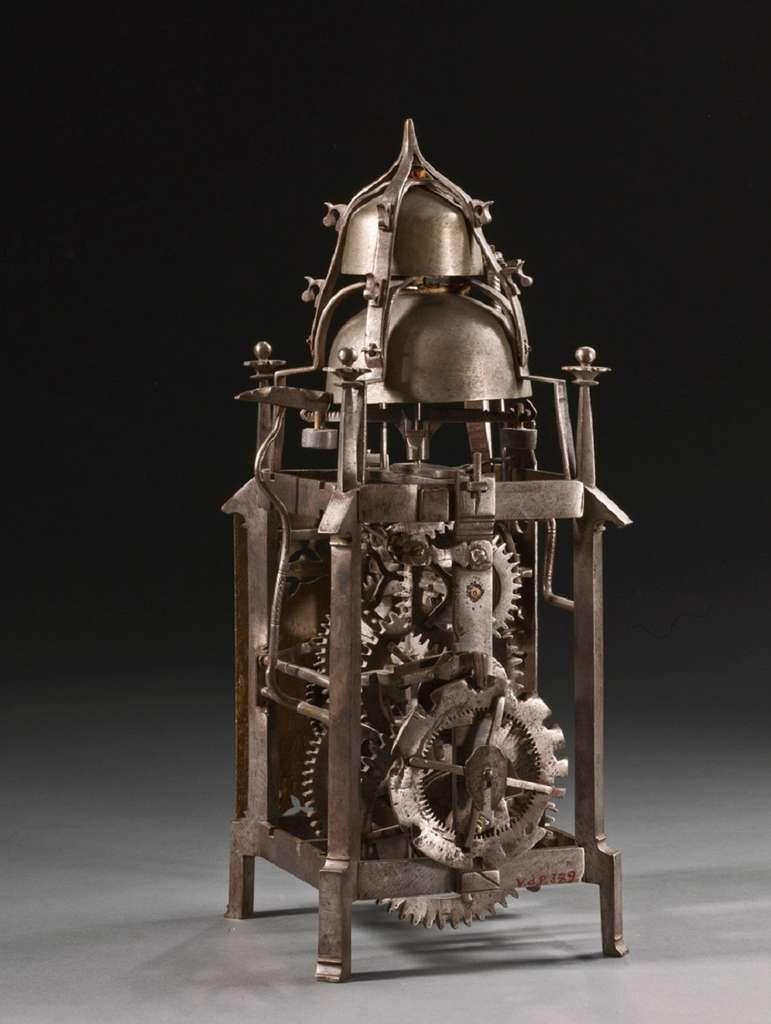 Horloge gothique à poids et foliot, Allemagne, XVIe siècle. Collection Musée royal d'Art et d'Histoire, Belgique. © Musées royaux d'Art et d'Histoire.