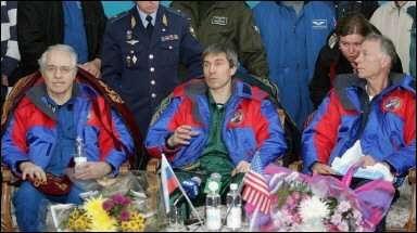 Greg Olsen, le 11 Octobre 2005, après son retour sur Terre A l'avenir, le gouvernement américain souhaite fixer un cadre légal au tourisme spatial