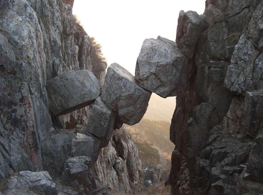 Le Pont Immortel du mont Tai ou Taishan