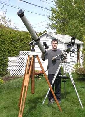 Philippe Moussette avec sa lunette astronomique de 120 mm et sa lunette astronomique motorisée de 102mm