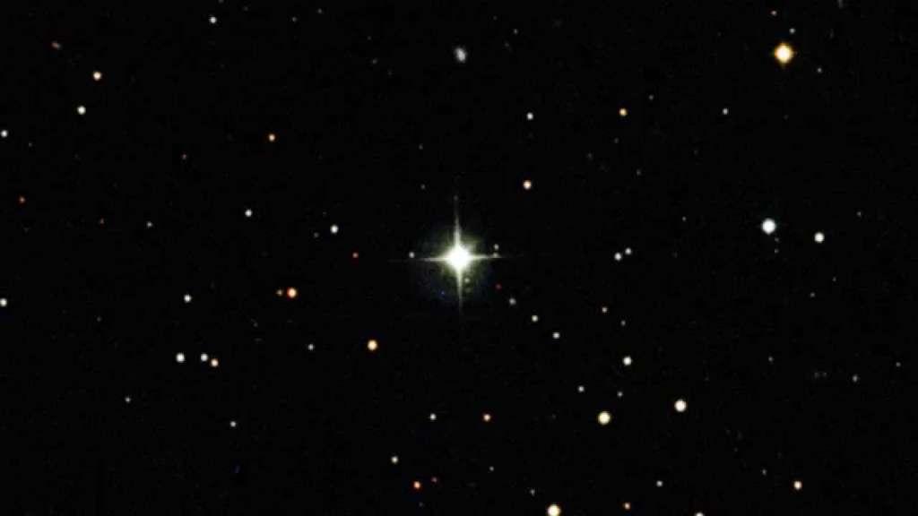 Sphere et la naine brune manquante de V471 Tauri