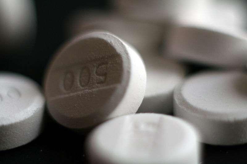 On a tendance à apprécier les anti-inflammatoires non-stéroïdiens comme le paracétamol pour leur capacité à atténuer les douleurs. Mais s'ils entraînent une féminisation des hommes, ils risquent de perdre de leur superbe. © Michelle Tribe, Wikipédia, cc by 2.0