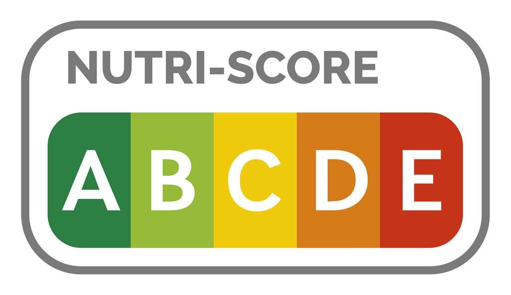 Consommer des aliments mal notés par le Nutri-Score augmenterait le risque de mortalité toutes causes confondues. © Ricochet64, Adobe Stock