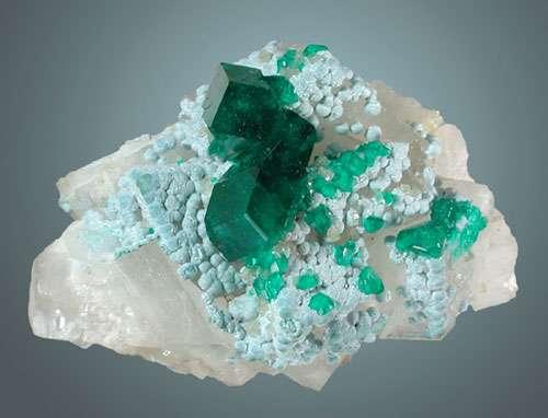Dioptase issue de la mine de de Tsumeb. © DR