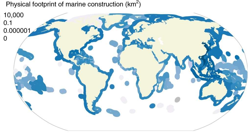 L'empreinte océan des constructions marines empiète sur 1,5 % des zones économiques exclusives (ZEE) qui couvrent la bordure côtière. © A. B. Bugnot et al, Nature Sustainability, 2020
