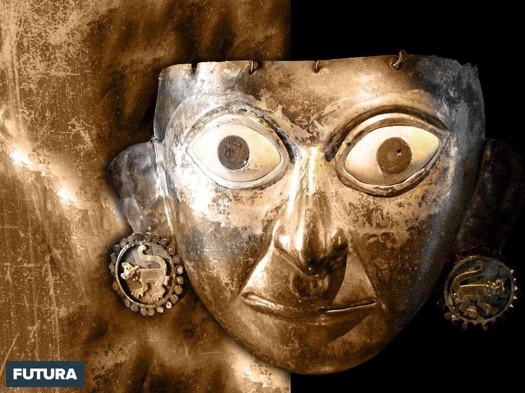 Masque de mort, or et argent - Pérou
