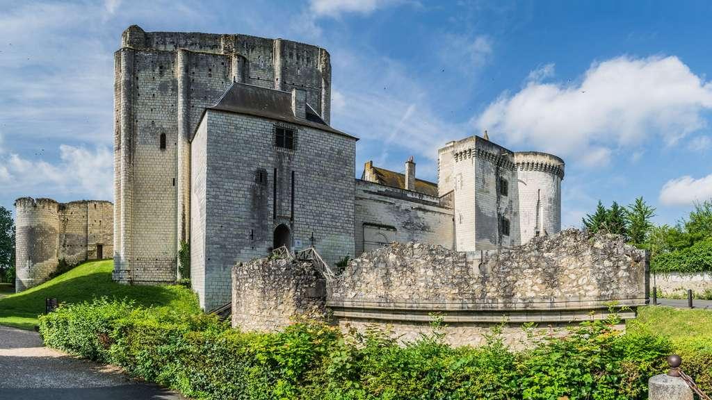 Le château de Loches, cité médiévale fortifiée