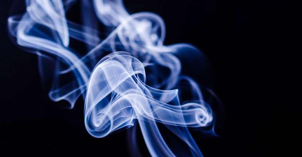 Le tabagisme est un facteur de risque d'hypertension. © Maxknoxvill, DP