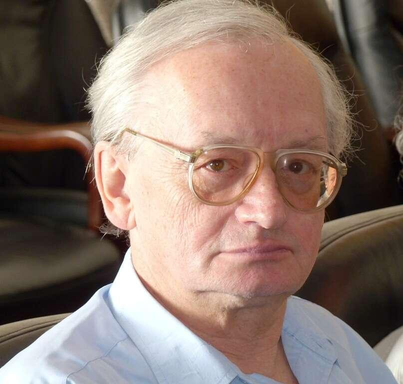 Le physicien théoricien et cosmologiste russe Alexei Starobinsky. Il a étudié la théorie quantique des champs en espace-temps courbes, les trous noirs primordiaux, le rayonnement fossile et l'énergie noire. © Institute for Theoretical Physics, RAS