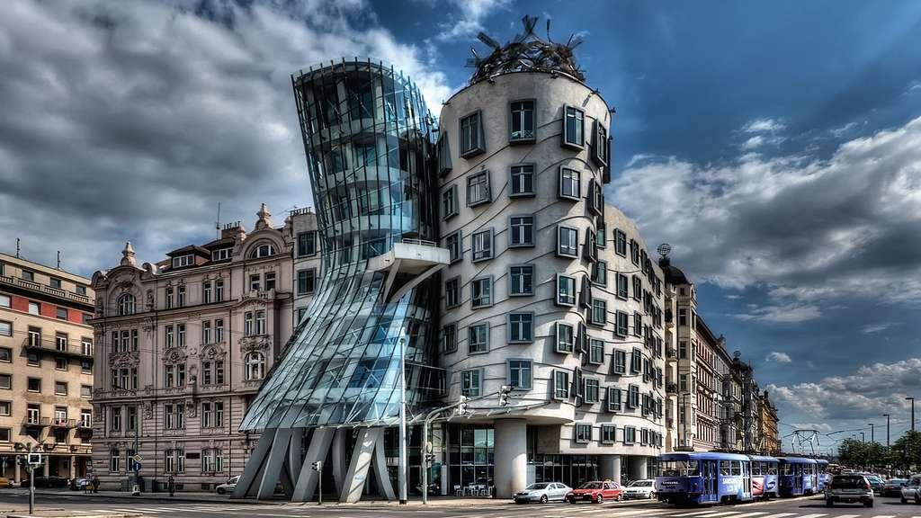 La maison dansante à Prague, par Vlado Milunić et Frank Gehry