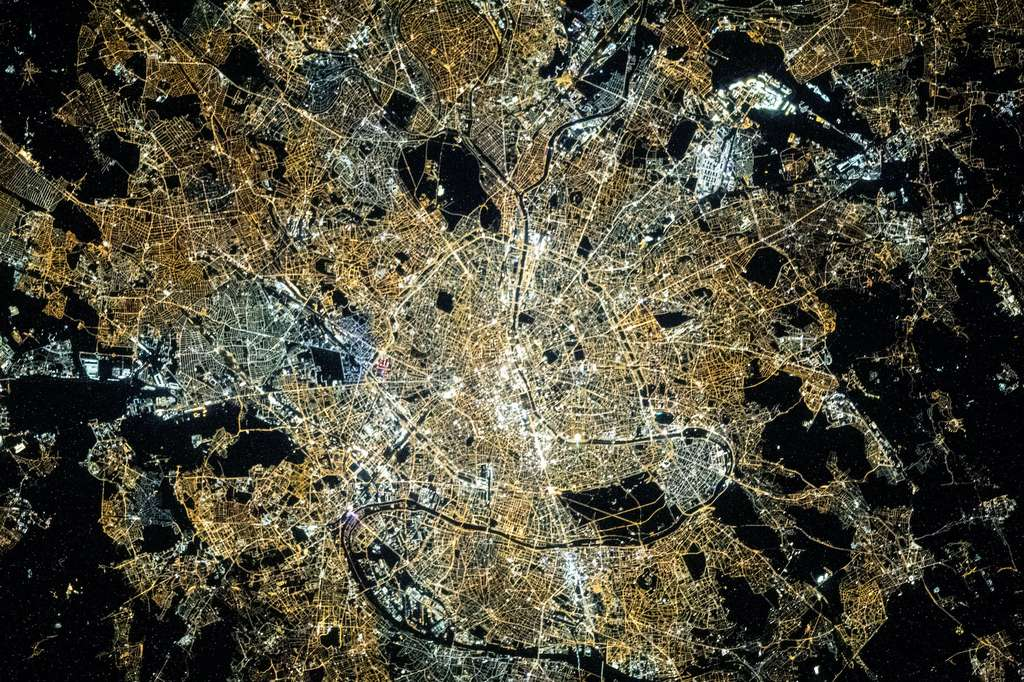 Paris, vue depuis la Station spatiale internationale (ISS). © Nasa