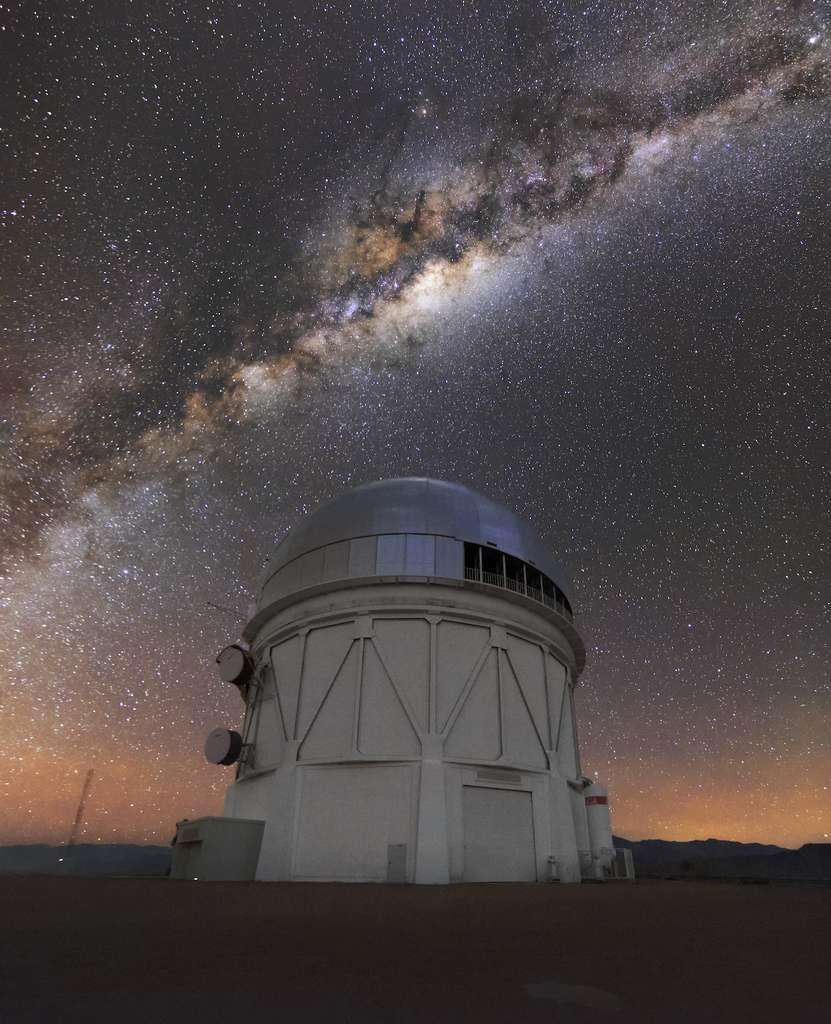 Le télescope Víctor M. Blanco de l'Observatoire interaméricain Cerro Tololo a fourni une partie des données nécessaires à l'identification des naines brunes. © CTIO, NOIRLab, NSF, AURA, D. Munizaga