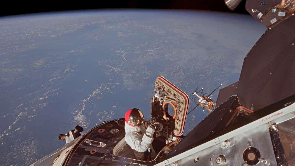 Les astronautes d'Apollo 9 sont restés en orbite autour de la Terre pour préparer la voie aux prochaines missions à destination de la Lune. © Images Nasa/JSC, Retraitements Olivier de Goursac. Tous droits réservés