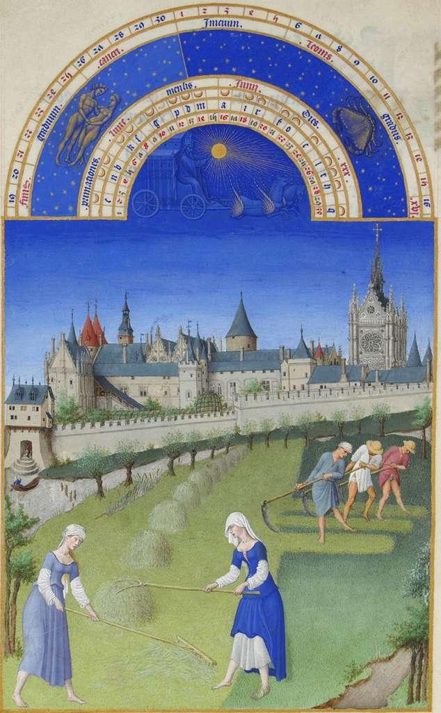 Sur cette vignette du mois de juin des Très riches heures du duc de Berry, sont représentés les travaux des champs en bord de Seine à Paris. À l'arrière-plan, on reconnaît le palais de la Cité et la Sainte-Chapelle, tels qu'imaginés et fantasmés à l'époque dans les enluminures. © DP