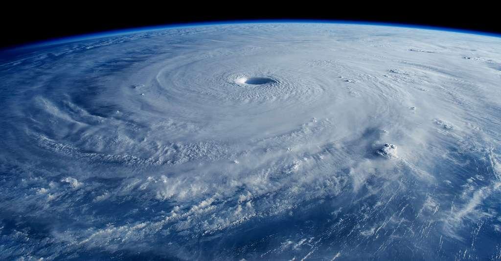 L'œil d'un cyclone. © Terry Virts, Nasa, DP