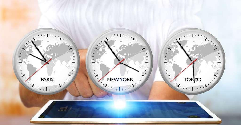 Traverser les fuseaus horaires. © Sdecoret - Shutterstock
