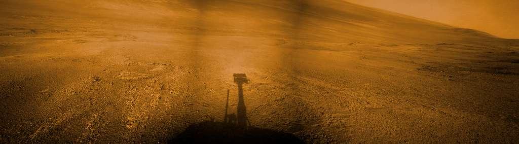 Opportunity photographie son ombre sur le sol martien en 2017, à Sol 4782. © Nasa/JPL-Caltech/Kevin M. Gill