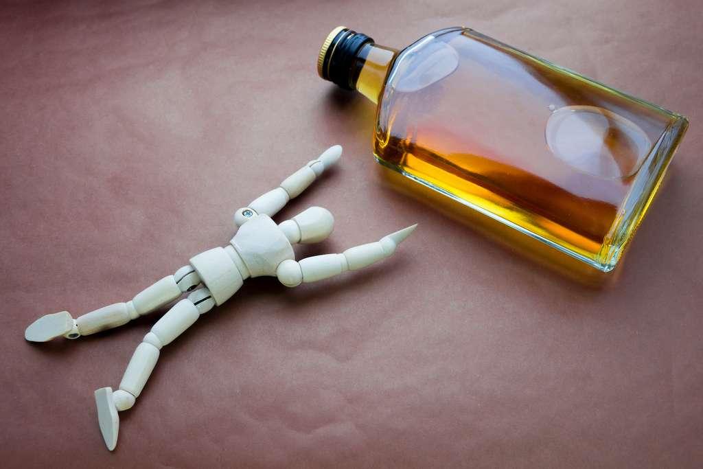 La consommation excessive ou chronique d'alcool est dangereuse pour la santé à court et à long terme. © fotoriatonko, Adobe Stock