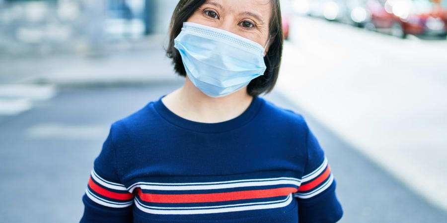 Les personnes atteintes de trisomie 21 sont particulièrement vulnérables au coronavirus avec 7 fois plus de risques d'hospitalisation et 23 fois plus de risques de décès. © Getty Images
