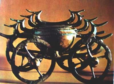 Char cultuel, bronze, époque Halstatt vers 800 av JC.